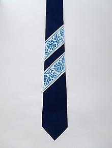 Doplnky - pánska originálna modrá folk kravata - 10243293_