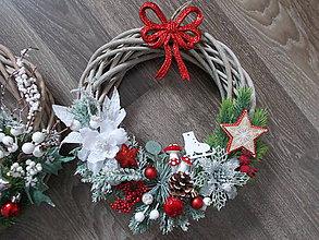 Dekorácie - vianočný veniec s mašľou - 10247446_