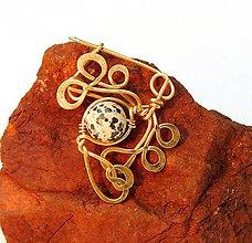 Odznaky/Brošne - ..Brošňa vytepaná z bronzu a Jaspis Dalmatínsky - 10248219_