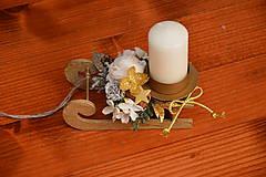 Dekorácie - Zlaté drevené sánky so sviečkou - 10248389_