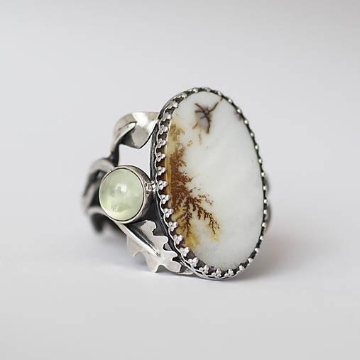 Strieborný prsteň s dendritickým achátom a prehnitom - V hmle