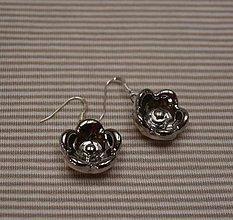 Náušnice - Keramické náušnice s platinou - Ľadový kvet - 10251994_