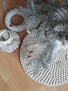 Úžitkový textil - Háčkovaný koberec - podložka pod vianočný stromček - 10250595_