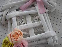 Dekorácie - Roztomilý domček s ružičkami - 10251373_