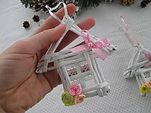 Dekorácie - Roztomilý domček s ružičkami - 10251382_