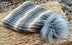 Čiapky - *Háčkovaná čiapka s kožušinovým brmbolcom* - 10250684_