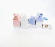 Nádoby - Korenička, soľnička dom (Ružová s glazúrou s obsahom  zlata) - 10250473_