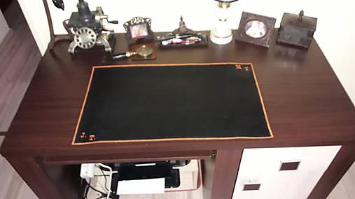 Kožená podložka na stôl čierna