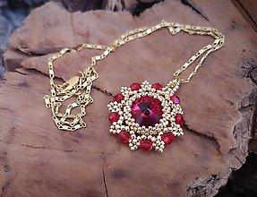 Náhrdelníky - ZĽAVA 70 % Šitý náhrdelník zlato-červený, pozlátená retiazka - 10255037_