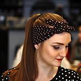 Ozdoby do vlasov - Vintage šatka do vlasov Bodkovaná hnedá - 10259447_