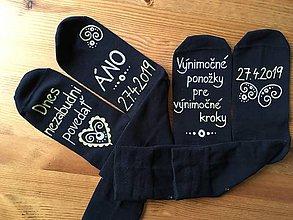 Obuv - Maľované ponožky pre ženícha (Sada ponožiek) - 10261382_