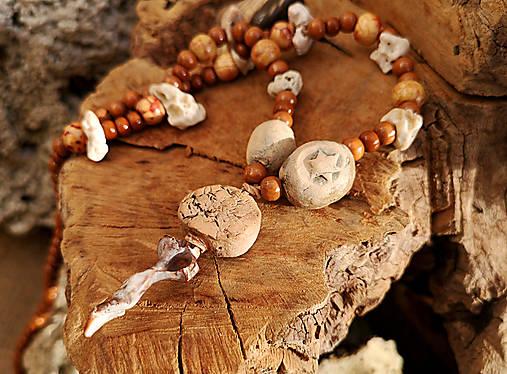 Naturálny náhrdelník, drevo, keramika, kameň, mušle