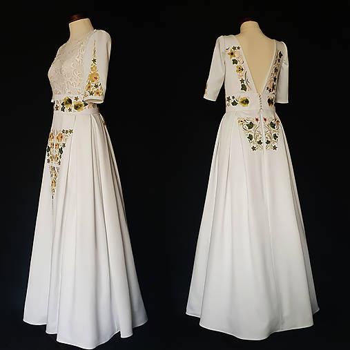 ca5b190022b3 Vyšívané FOLK šaty s hrubou krajkou SKLADOM   Dyona - SAShE.sk ...