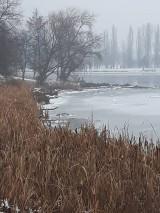 Fotografie - Zamrznuté jazero... - 10267850_