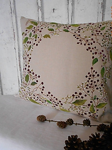 Úžitkový textil - Bobuľky a lístky, maľovaný vankúš - 10267870_