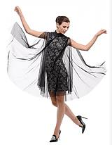 Koktailové šaty s čiernou sieťkou
