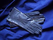 Rukavice - Tmavomodré  kožené rukavice s hedvábnou podšívkou - 10268764_