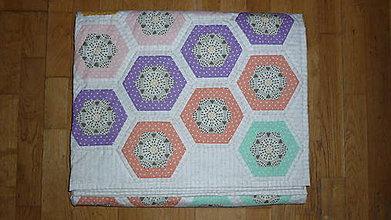 Úžitkový textil - Patchworková deka ROZKVITNUTÁ LÚKA - 10270944_
