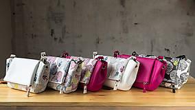 Kabelky - Kabelka CUTE bag - biela so šedou potlačou na tele - 10270879_