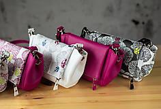 Kabelky - Kabelka CUTE bag - biela so šedou potlačou na tele - 10270881_