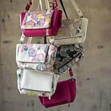 Kabelky - Kabelka CUTE bag - biela so šedou potlačou na tele - 10270882_