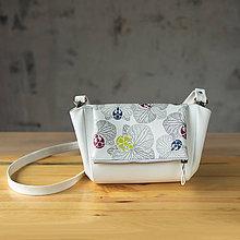 Kabelky - Kabelka CUTE bag - biela so šedou potlačou na klope - 10270824_