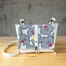 Kabelky - DINKY bag - biela s modrou potlačou na klope - 10270976_