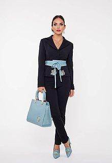 Kabáty - Dámske sako čierne s výšivkou a kryštálmi - 10270070_