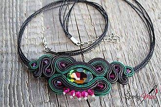 Náhrdelníky - šujtášový náhrdelník smaragdovo zelený - 10273744_