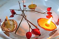 Svietidlá a sviečky - Včelí kRAJ: Sviečky v oriešku - 10272491_