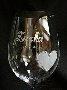 Nádoby - Svadobné poháre vínko so srdiečkom a kamienkami - 10271991_