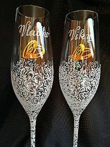 Nádoby - Svadobné poháre šampus s motívom čipky a obrúčkami - 10273268_