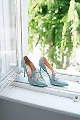 Iné doplnky - Dámske kožené topánky s výšivkou modré - 10272796_