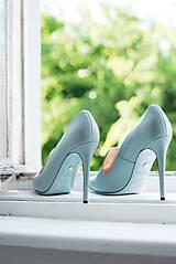 Iné doplnky - Dámske kožené topánky s výšivkou modré - 10272797_
