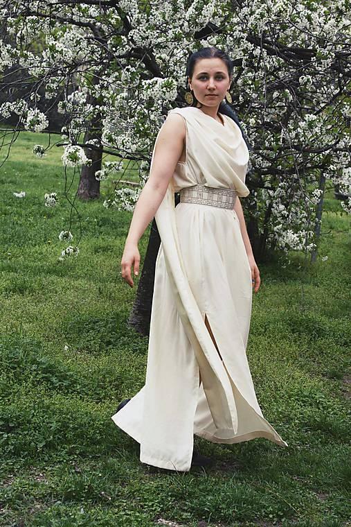 525b0c8f6783 Antické letné šaty s padavým výstrihom   therinde - SAShE.sk ...
