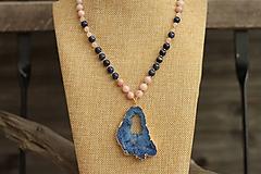 Náhrdelník s achátovou drúzou a lapis lazuli
