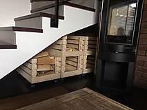 Nábytok - Debničky na drevo pod schody. - 10273298_