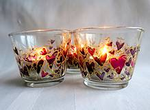 Svietidlá a sviečky - Farebné srdiečka - maľovaný sklenený svietniček - na objednávku - 10275879_