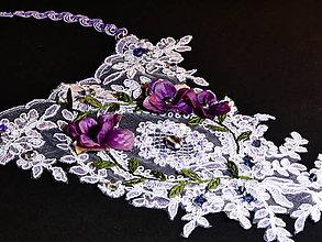 Náhrdelníky - Čipkovaný vintage náhrdelník FIALKOVÝ - 10276439_