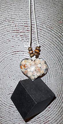 Náhrdelníky - Mušličky v srdci - 10274104_
