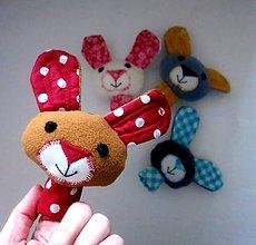 Hračky - Prstová maňuška zajko - na výber - 10275612_