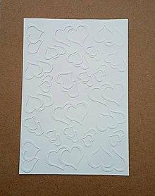 Papier - embosovaný papier srdiečka - 10274412_