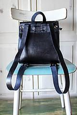 Batohy - Ručne šitý kožený batôžtek - 10274419_