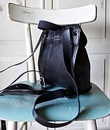 Batohy - Ručne šitý kožený batôžtek - 10274426_