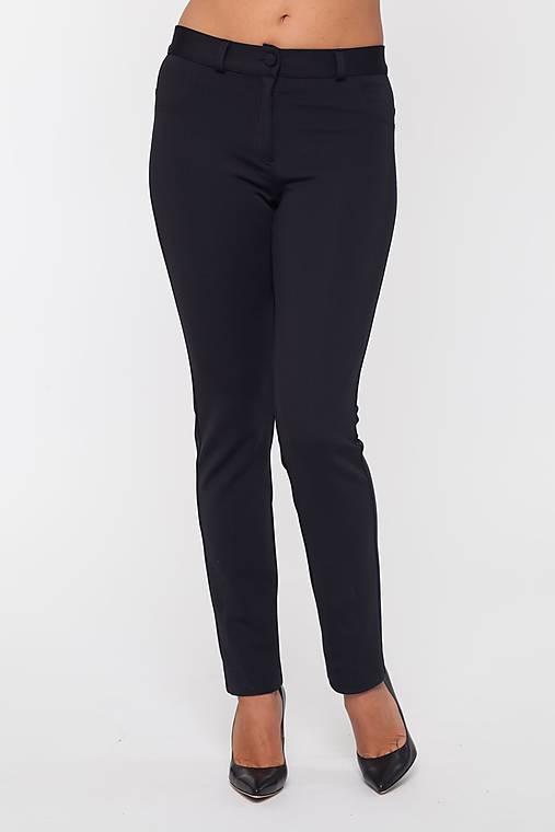 Dámske strečové nohavice čierne
