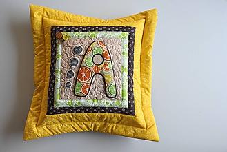 Úžitkový textil - Vankúš s písmenom... - 10275661_