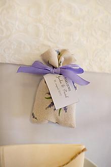 Darčeky pre svadobčanov - Levanduľové svadobné vrecúška - 10278726_