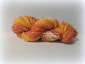 Materiál ručne robený - Oranžová dúha - ručne pradená merino vlna s nopkami - 10278046_