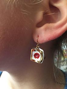 Náušnice - červený bod /keramika/ - 10278965_