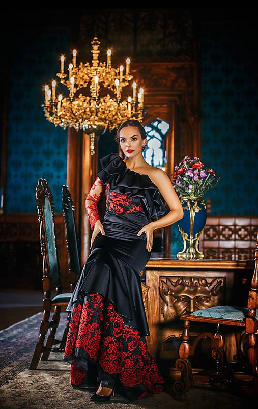 Couture šaty CARMEN EMBROIDED